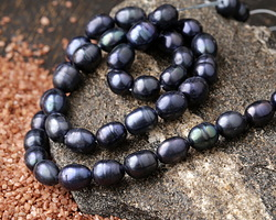 Midnight Blue Freshwater Rice Pearl 7-8mm