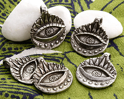 Green Girl Pewter Ancient Protection Eye Pendant 23x27mm