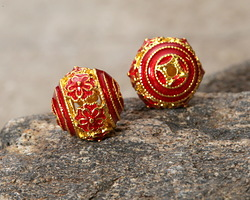 Cloisonné Red w/ Gold Finish Openwork Daisy Round Bead 9.5mm