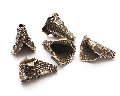 Saki White Bronze Textured Cone 26x20mm