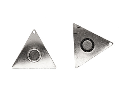 Stampt Antique Pewter (plated) Triangle with Ring 21mm