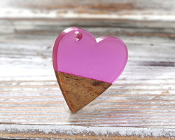 Walnut Wood & Orchid Resin Small Heart Focal 25mm