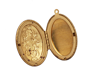 Brass Oval Victorian Rose Heirloom Locket 27x41mm