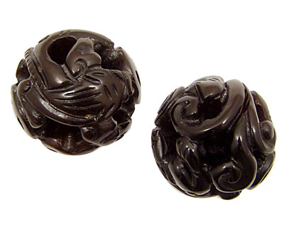 Soochow Jade Hollow Carved Round with Vines & Swirls 30mm