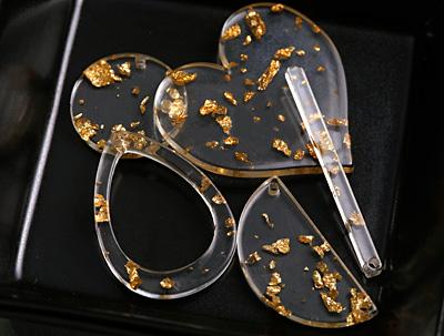 Zola Elements Gold Foil Acetate Open Drop Focal 22x31mm