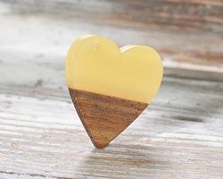 Walnut Wood & Butter Resin Small Heart Focal 25mm