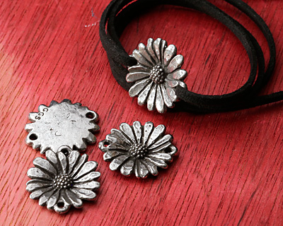 Green Girl Pewter Daisy Link 25x23mm