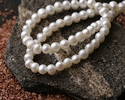 Pearly White Freshwater Potato Pearl 5-6mm