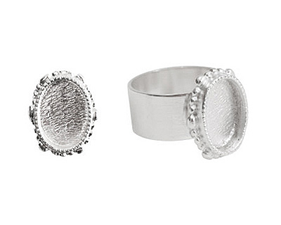 Nunn Design Sterling Silver (plated) Small Ornate Oval Bezel Adjustable Ring 15x18mm