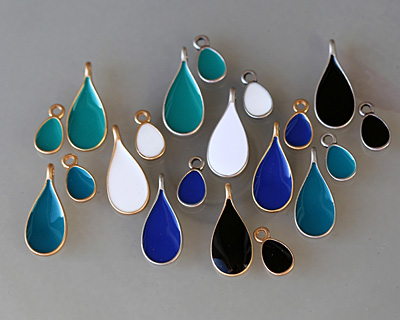 Zola Elements Jet Enamel Matte Gold Finish Teardrop Charm 8x14mm