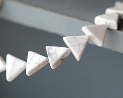 White Howlite Triangle 11-13x13-15mm
