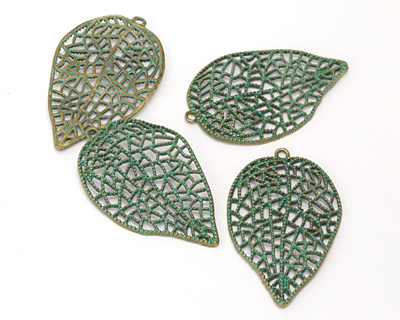 Zola Elements Patina Green Brass (plated) Lacy Leaf Pendant 36x58mm