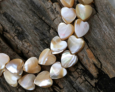Mother of Pearl Heart 8mm