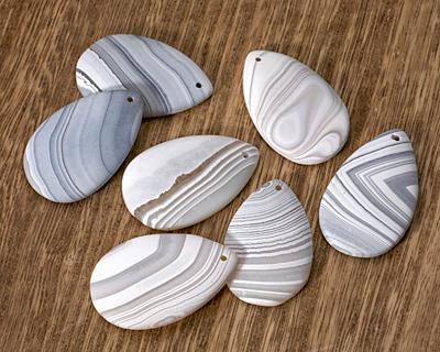 Gray & White Banded Agate (matte) Teardrop 31-34x49-57mm