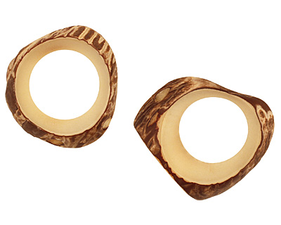 Tagua Nut Cream Open Slice 33-45x24-36mm