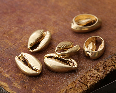 Zola Elements Matte Gold (plated) Cowrie Shell Focal 11x15mm
