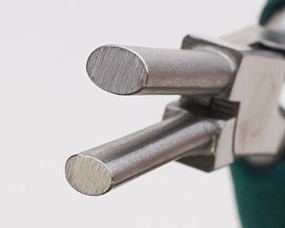 Wubbers Medium Oval Mandrel Pliers