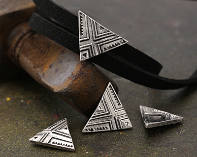 Zola Elements Antique Silver (plated) Triangle Print 5mm Flat Cord Slide 20x14mm