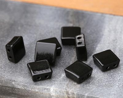 Jet Enamel 2-Hole Tile Square Bead 8mm