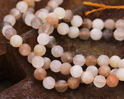 Moonstone (multi) Faceted Round 6mm