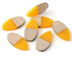 Wood & Saffron Resin Teardrop Focal 16x31mm