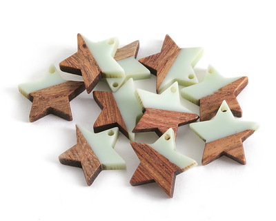Walnut Wood & Sweet Mint Resin Star Focal 18mm