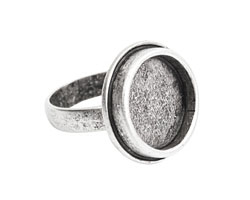 Nunn Design Antique Silver (plated) Traditional Circle Adjustable Bezel Ring 22mm