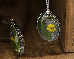 Glass Orb Oval w/ Fern & Yellow Flower and Pave Crystals 25x50mm