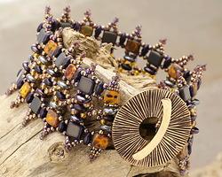 Shapeshifter Bracelet Pattern for CzechMates