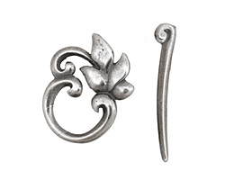 Antique Silver (plated) Ivy Leaf Toggle Clasp 22x19mm, 29mm bar
