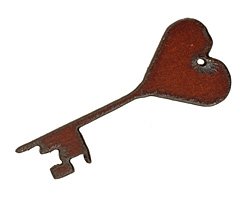 The Lipstick Ranch Rusted Iron Heart Key Pendant 25x60mm