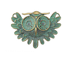 Patina Green Brass (plated) Vintage Owl Focal 55x40mm