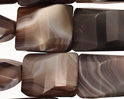Botswana Agate (rich color) Faceted Twisted Pillow 20-22x15-18mm