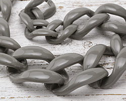"Concrete Acrylic 22"" Graduated Curb Chain 37x25-64x43mm"