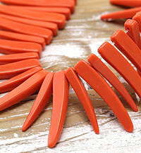 Coral Acrylic Curved Spike 5x37-8x43mm