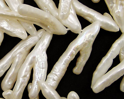 Pearly White Biwa Wishbone 13-16x30-35mm