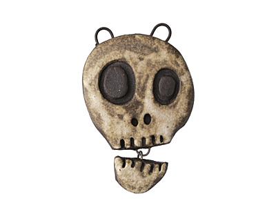 Gaea Talking Skull Pendant 28x42-45mm