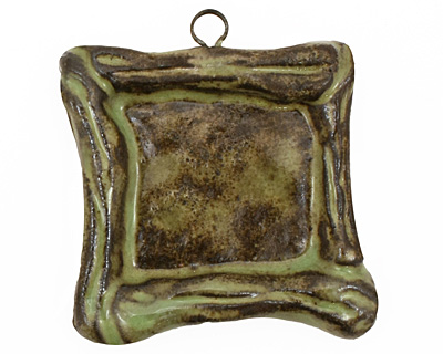Gaea Ceramic Spring Green on Chocolate Square Bezel 25mm