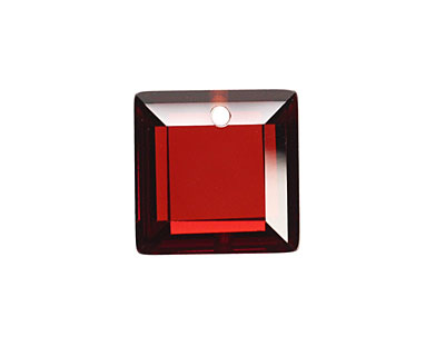 Garnet Faceted Square 18mm