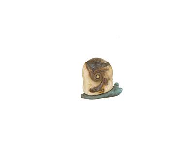 The BeadsNest Lampwork Glass Ivory Snail 15-17x18-20mm