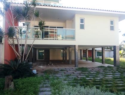 Ver mais detalhes de Casa com 4 Dormitórios  em Imbetiba - Macaé/RJ