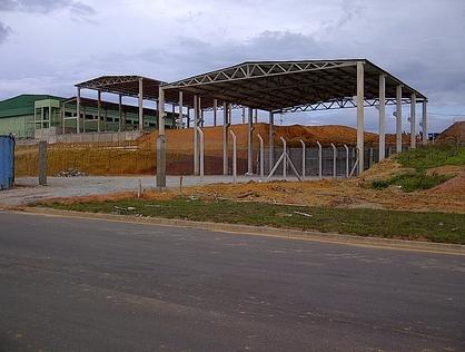 Ver mais detalhes de Comercial com 0 Dormitórios  em Cabiúnas - Macaé/RJ