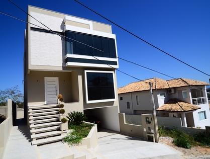 Ver mais detalhes de Casa com 3 Dormitórios  em Alto da Glória - Macaé/RJ