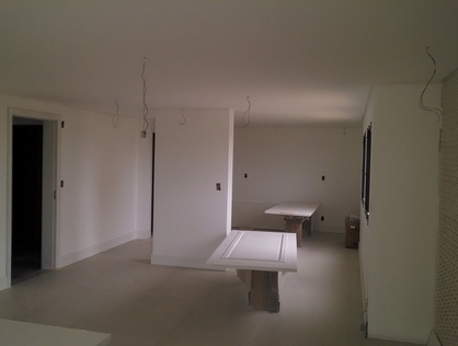 Ver mais detalhes de Apartamento com 4 Dormitórios  em Cavaleiros - Macaé/RJ