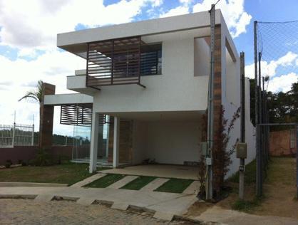 Ver mais detalhes de Casa com 4 Dormitórios  em Alto da Glória - Macaé/RJ
