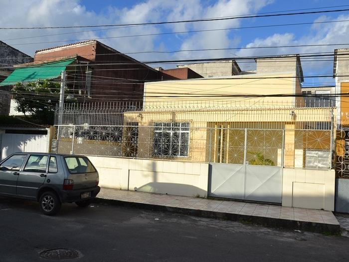 Ribeira (Beco do Candinho/Beira Mar)