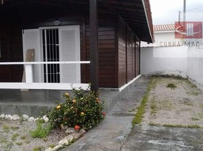 Ver mais detalhes de Casa com 2 Dormitórios  em Indaiá - Caraguatatuba/SP