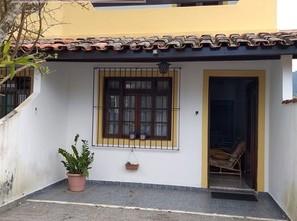 Ver mais detalhes de Casa com 2 Dormitórios  em Martim de Sá - Caraguatatuba/SP