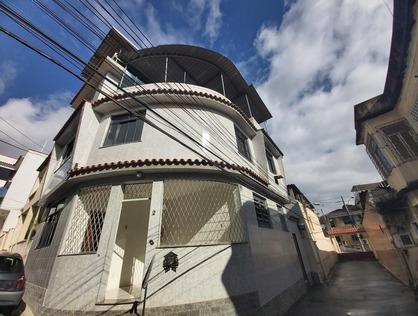 Ver mais detalhes de Casa com 3 Dormitórios  em Quintino - Rio de Janeiro/RJ