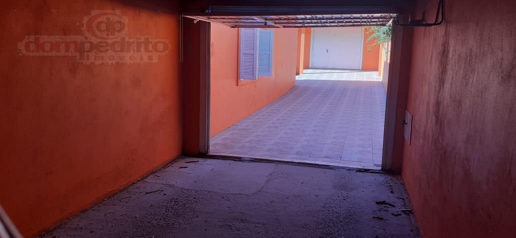 Garagem com acesso ao pátio